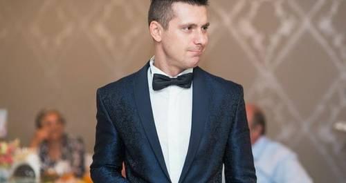 Ведущий Андрей Михель